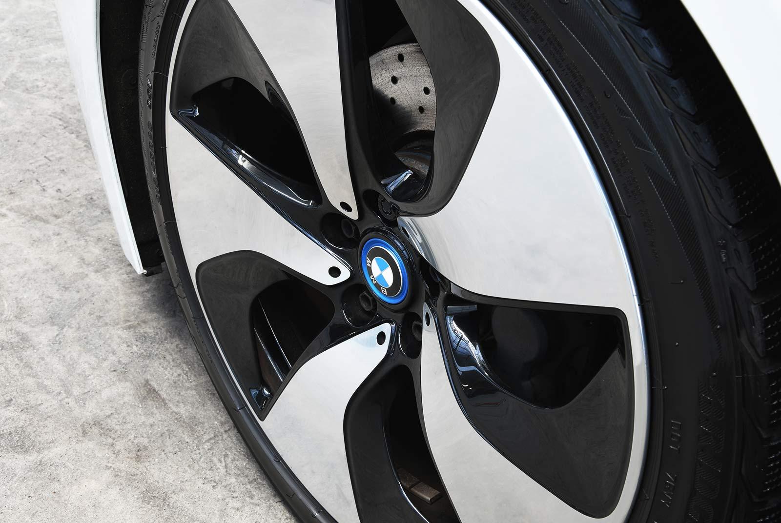bmw_i_8_weiß_grau_BMW-9212_07