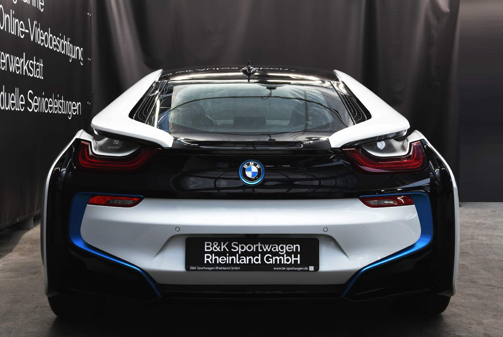 bmw_i_8_weiß_grau_BMW-9212_08