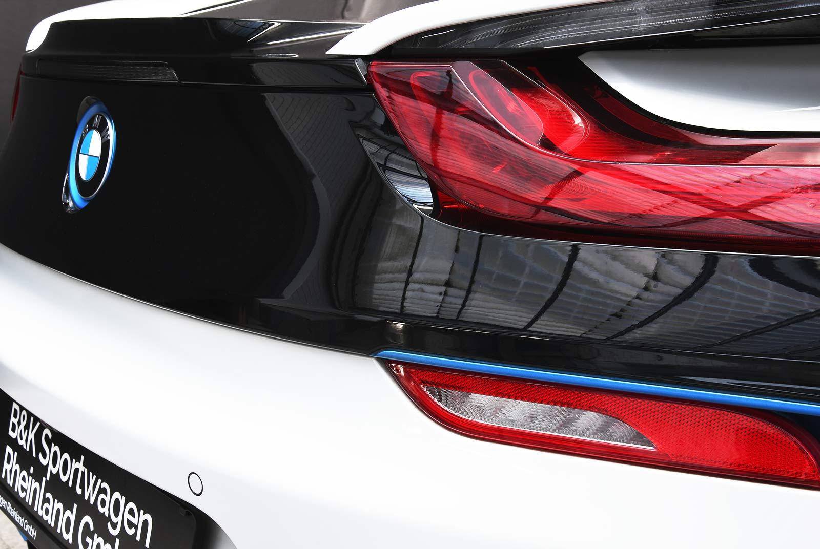 bmw_i_8_weiß_grau_BMW-9212_10