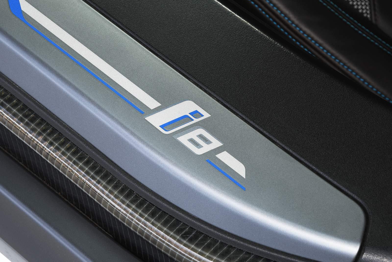 bmw_i_8_weiß_grau_BMW-9212_19